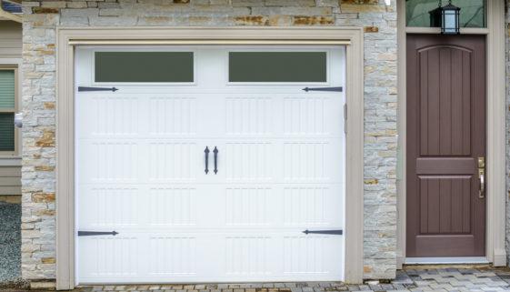 Das Garagentor: Schutz und attraktiver Blickfang für Ihre Garage